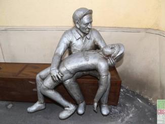 Fotogallery statua Partigiano 2016